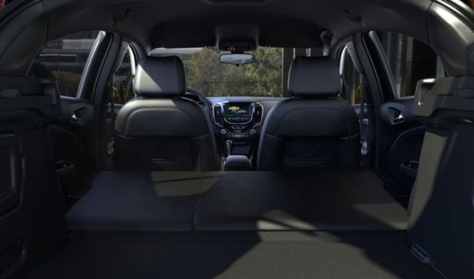 2019 Chevy Cruze Interior