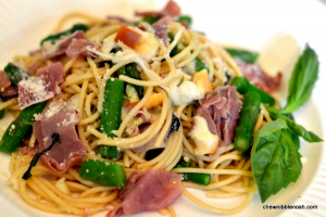 Spaghetti with Asparagus Smoked Mozzarella and Prosciutto - Chew Nibble Nosh