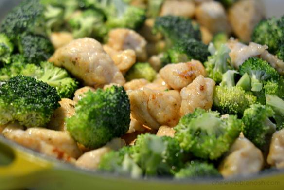 Garlic Lemon Chicken Pasta with Broccoli - Chew Nibble Nosh 5