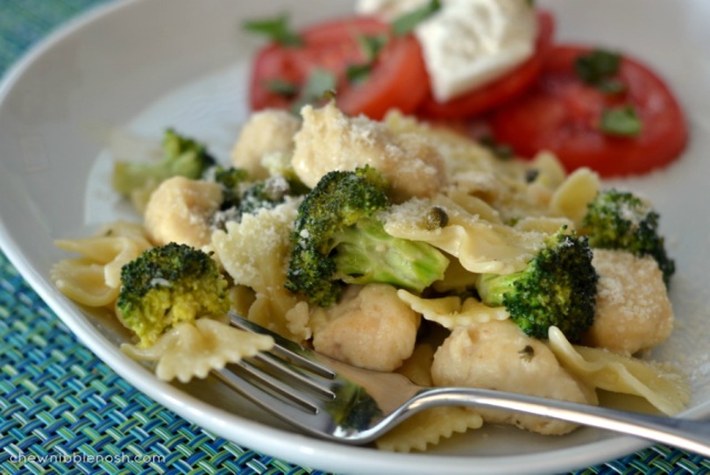 Lemon Garlic Chicken Pasta With Broccoli - Chew Nibble Nosh-1255