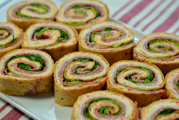 Italian Deli Pinwheels - Chew Nibble Nosh