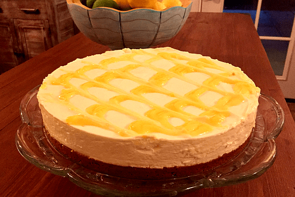 Almost No-Bake Lemon Cheesecake