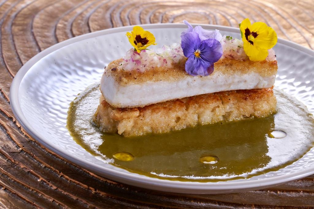 土魠魚襯秘魯鍋巴香料飯