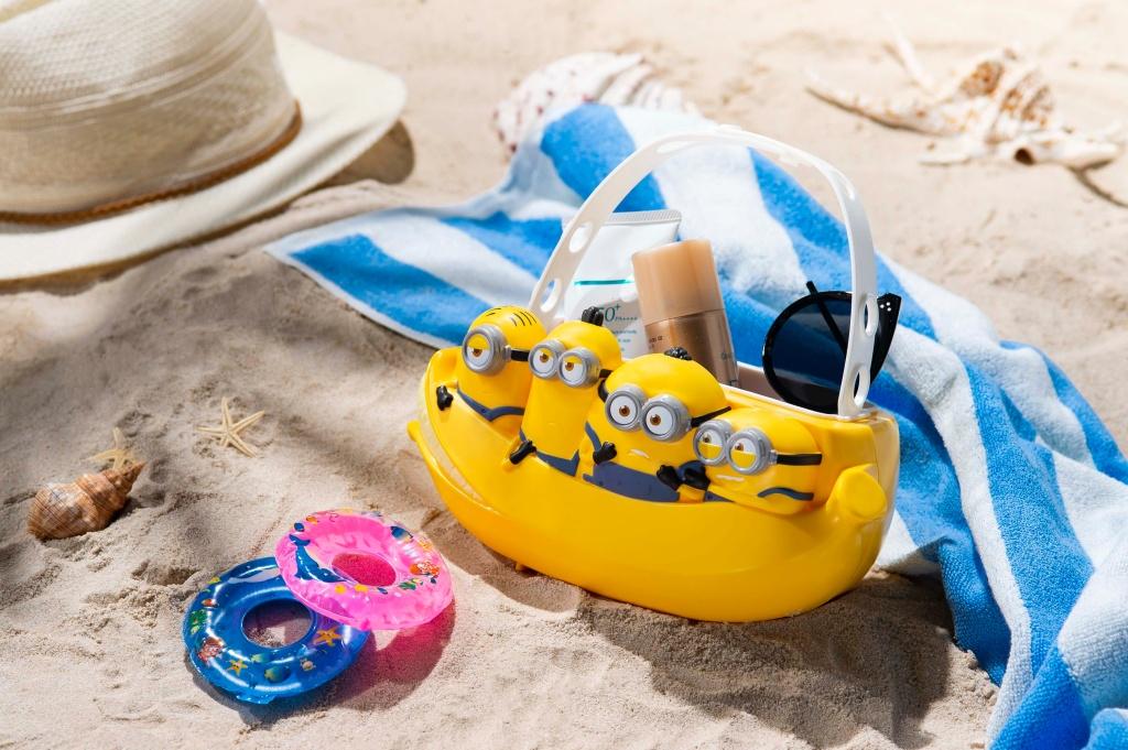 小小兵萬用置物籃乘香蕉船玩樂、冒險一整夏
