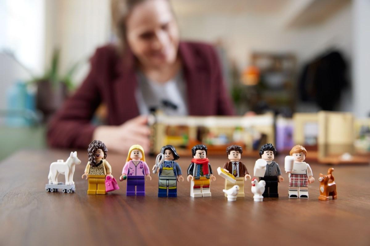 有著滿滿回憶殺的「10292 Lego®《六人行》六人行公寓」盒組。集結主要角色小人偶,經典值得收藏。