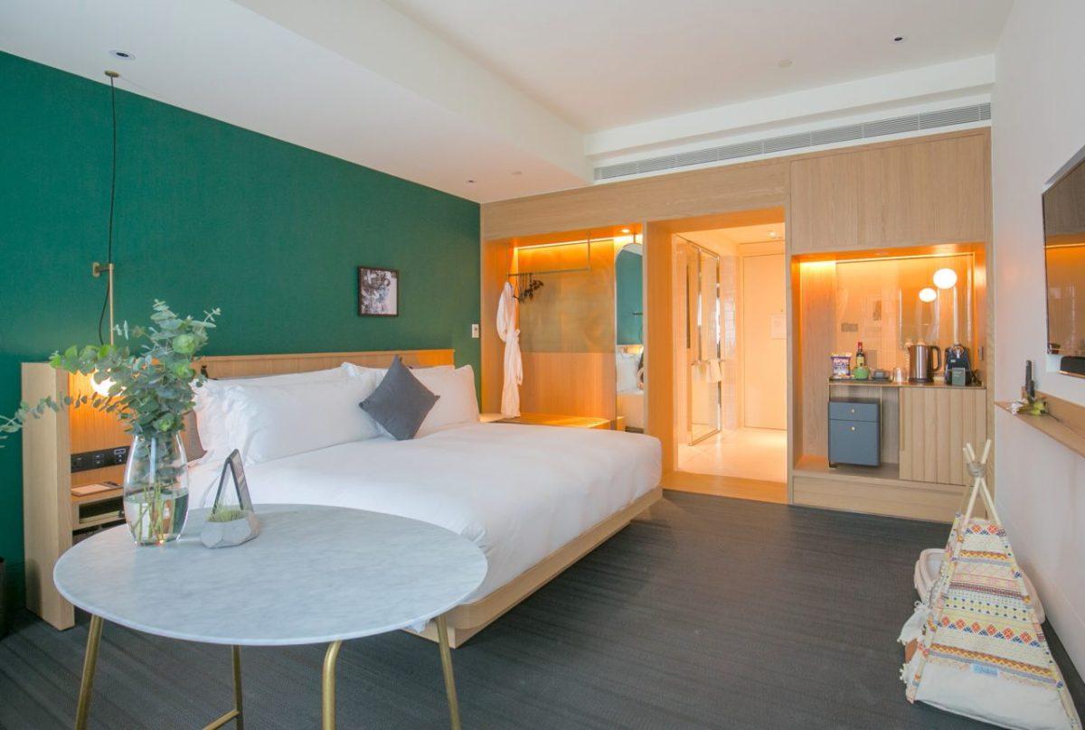 金普頓大安酒店寵物友善房,毛小孩不限定種類可進入酒店電梯並共同入住。
