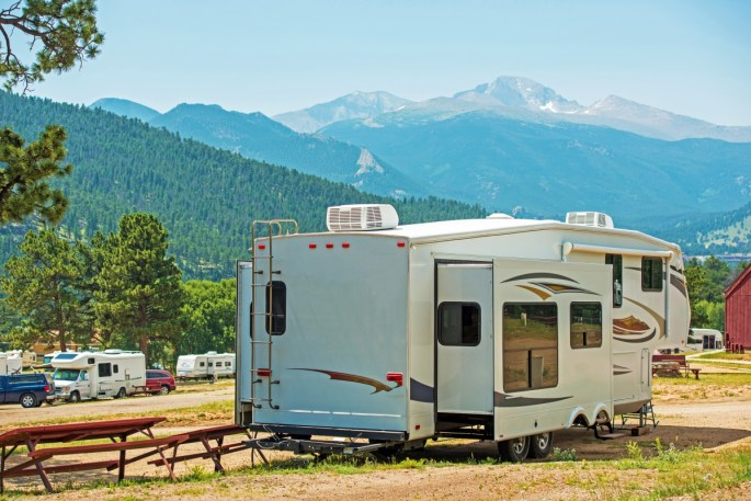 camper hauling services www.cheyennehauling.com