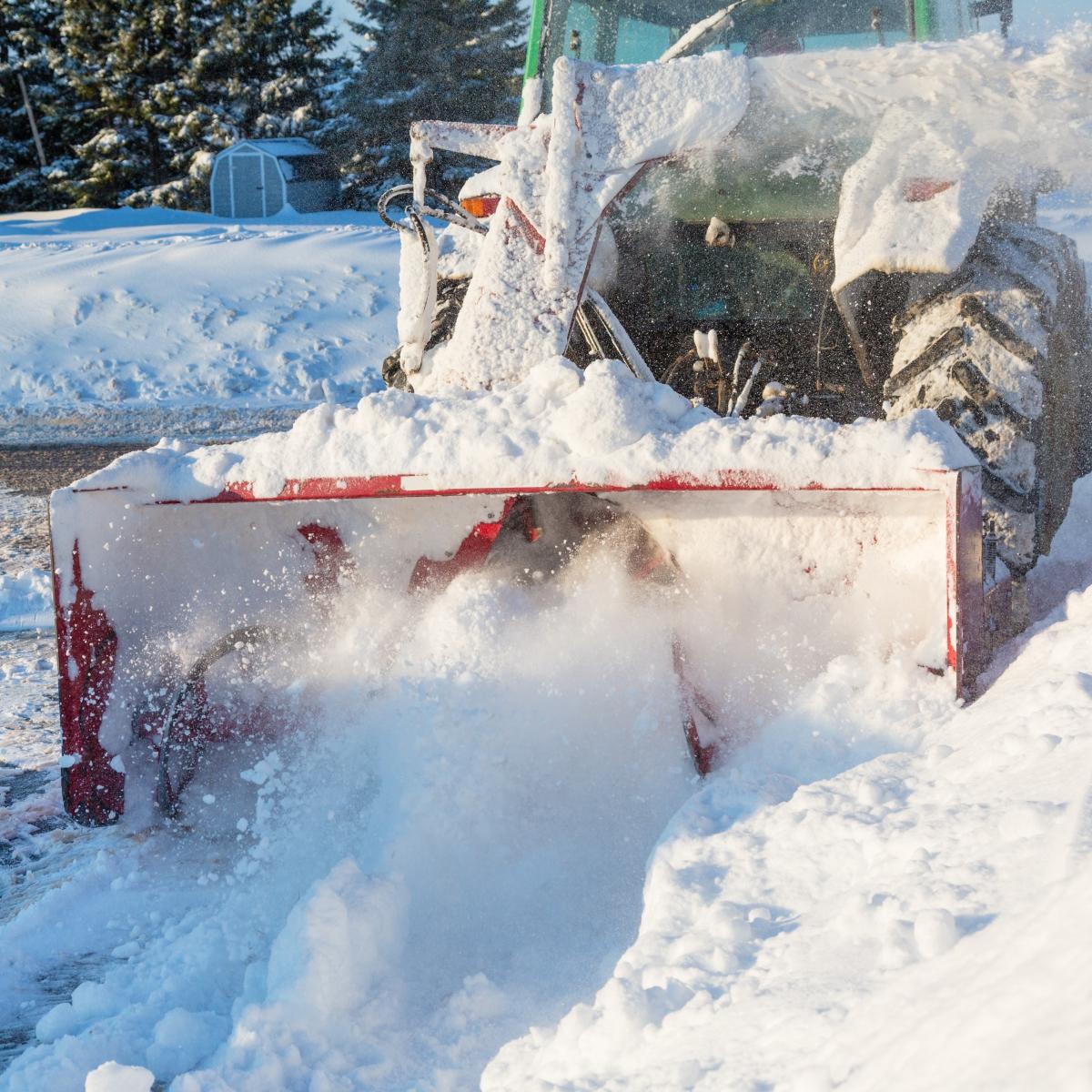 commercial snow removal in cheyenne www.cheyennehauling.com