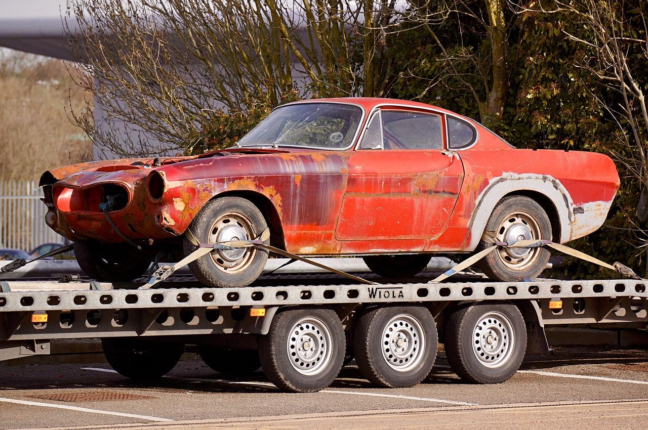 car hauling services www.cheyennehauling.com