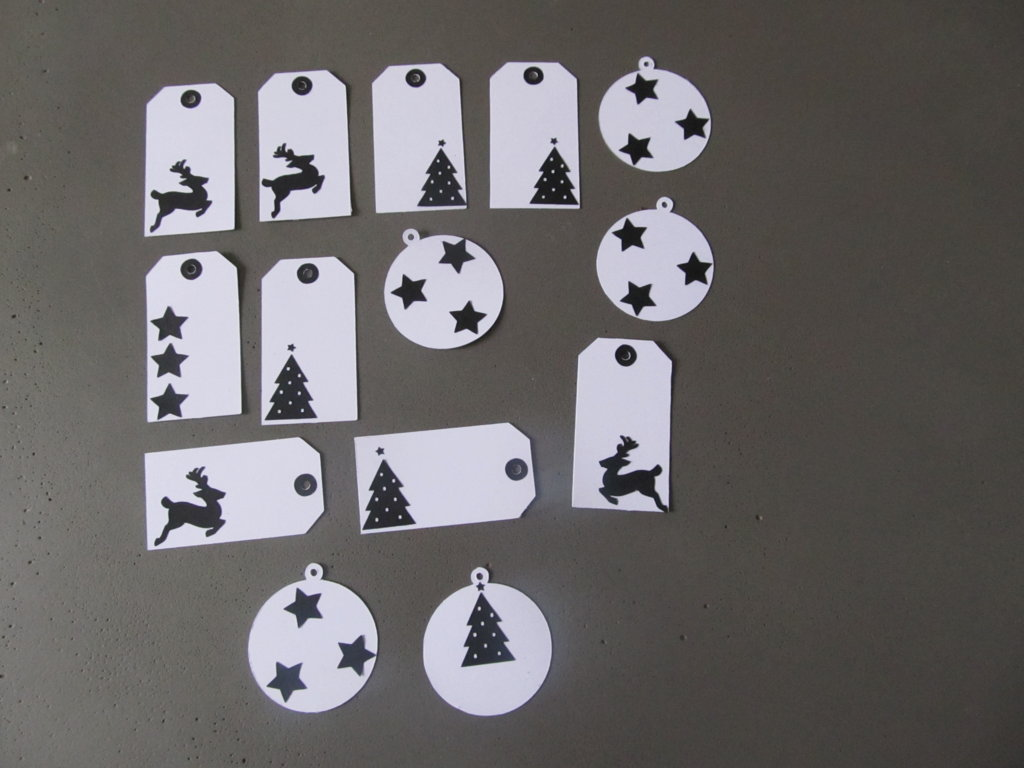 cadeau de noel, étiquette blanche et noire (2)
