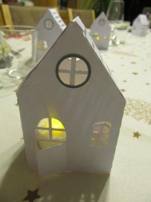 maisonnette illuminée table de noel (2)