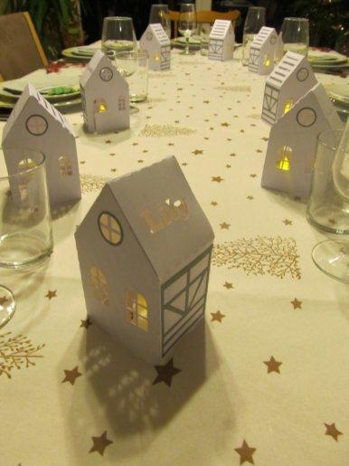 maisonnette illuminée table de noel (1)