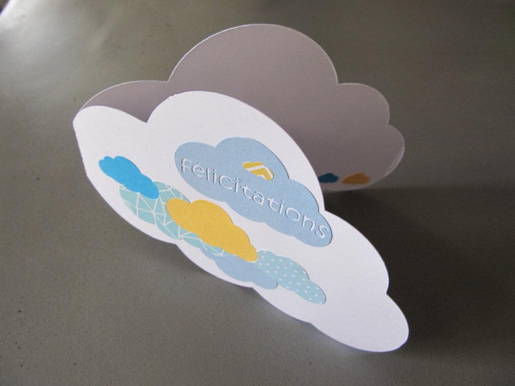 carte de félicitations nuage bleu et jaune (3)