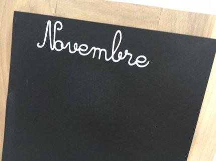 ardoise en papier les mois de l'année