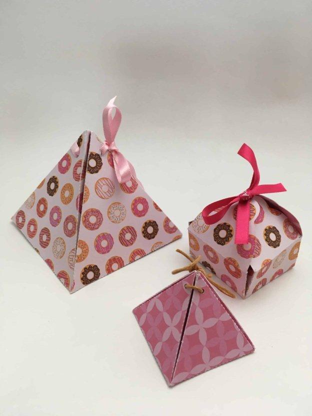 boites en papier coloré