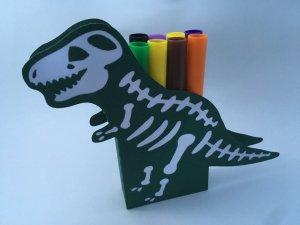 boite dinosaure à crayons