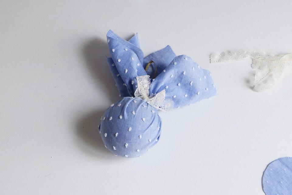 Chez Lisette DIY boules de Noël en tissu 18
