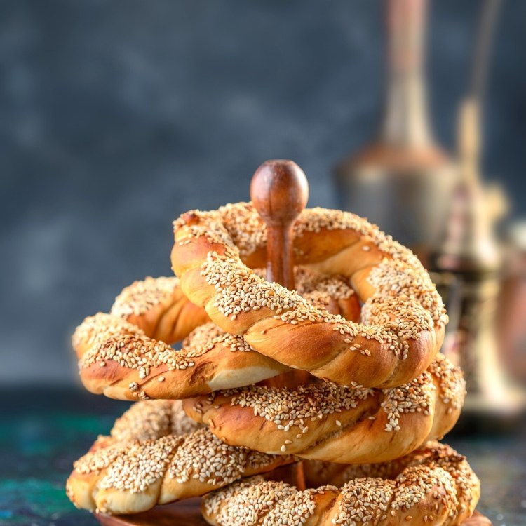 A stack of Simit