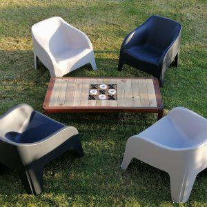Fauteuil Gris Table de jeu location Tours 37 indre et loire