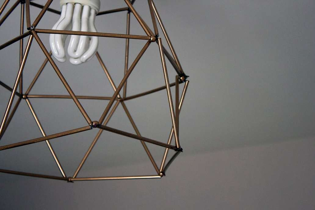 fabriquer un lustre geometrique avec des pailles - Fabriquer un lustre géométrique avec des pailles