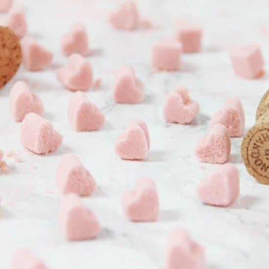 sucre en forme de coeur saint valentin - 14 DIY pour une Saint-Valentin réussie