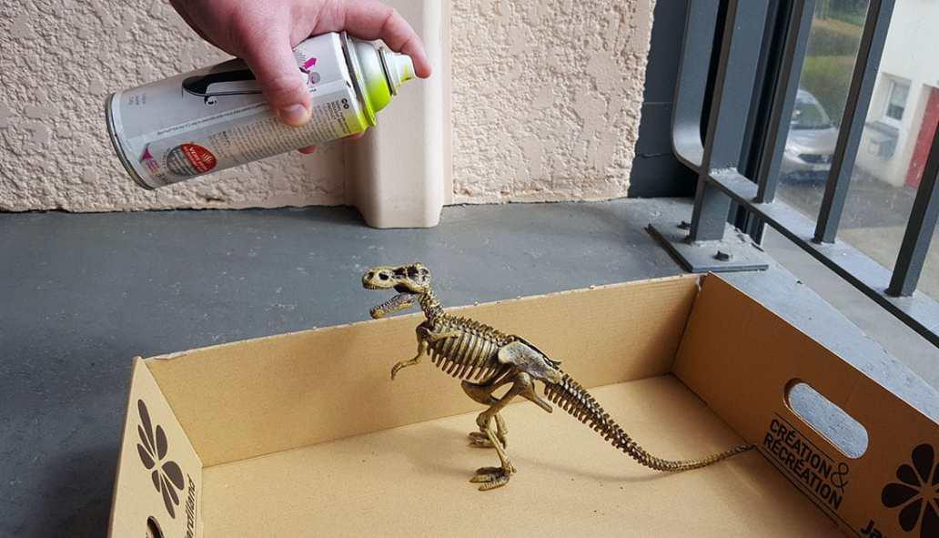 dinosaure bombe avec la peinture - DIY, le dinosaure s'invite dans la déco