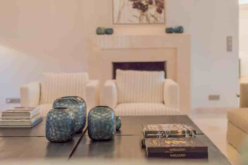 salon de la villa riviera luxoria interior cabinet architecte - Luxoria Interiors, un cabinet d' architecte haut de gamme