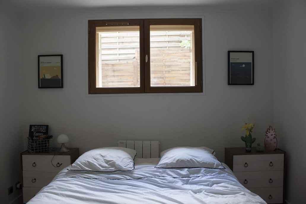 une chambre boheme lumineuse avec du linge de lit blanc - J'ai testé pour vous le linge de lit blanc avec La Compagnie du Blanc