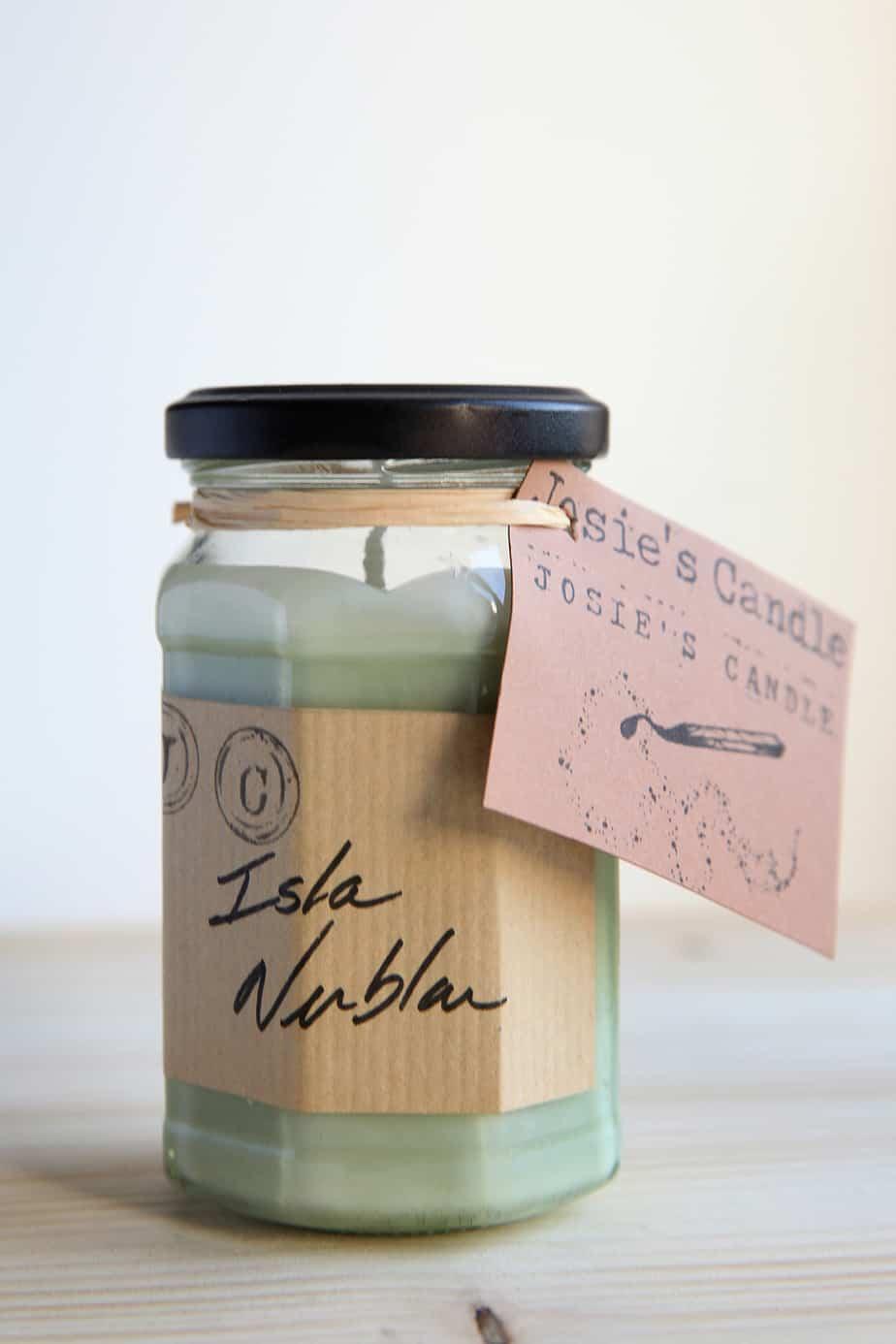 bougie vegan isla nublar josiescandle jurassic park - 10 idées de cadeaux déco à offrir pour Noël