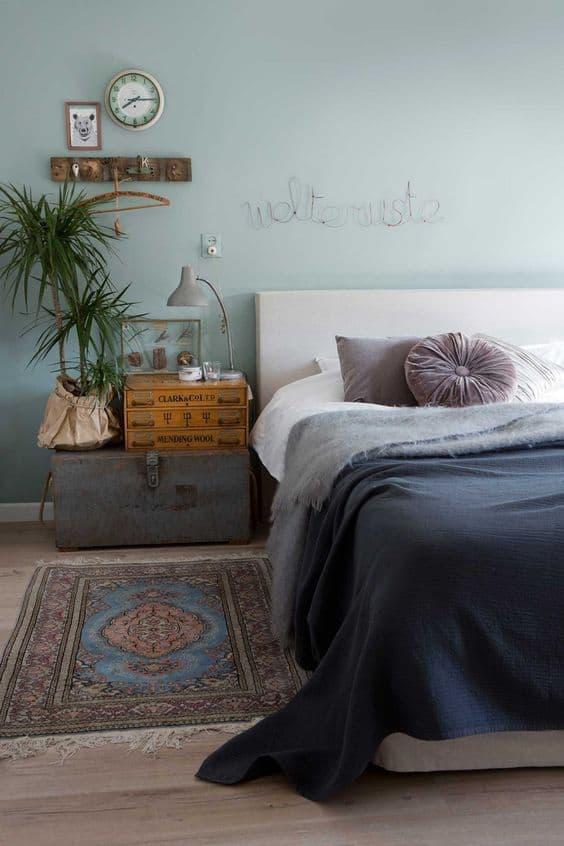 chambre deco colore malle tete de lit - 9 façons de mettre en valeur la déco de la chambre