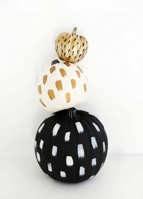 citrouille à taches pour halloween - 15 DIY originaux pour décorer la citrouille d'Halloween