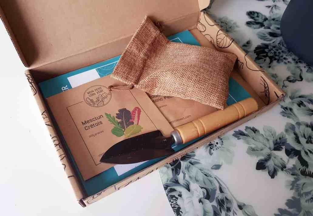 box ouverte mon petit coin vert 2048x1417 - Mon Petit Coin Vert, une box de jardinage