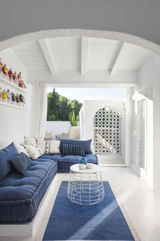salon a lesprit grec avec touche de bleu - Réussir une décoration d'inspiration grecque
