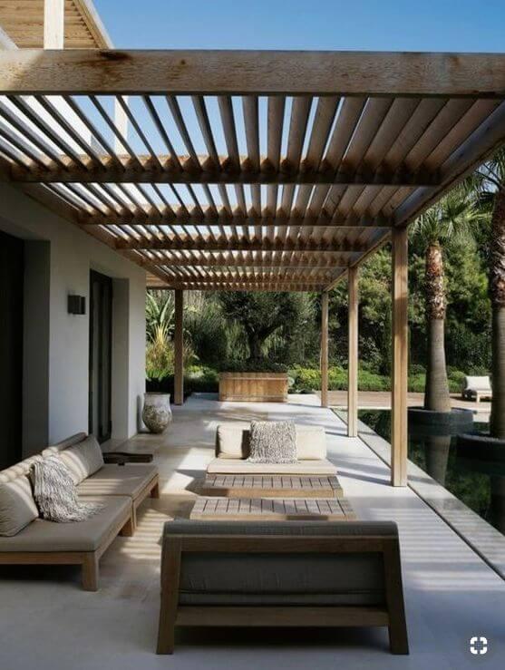 une terrasse avec un revêtement en béton - Quel matériau pour ma terrasse choisir ?
