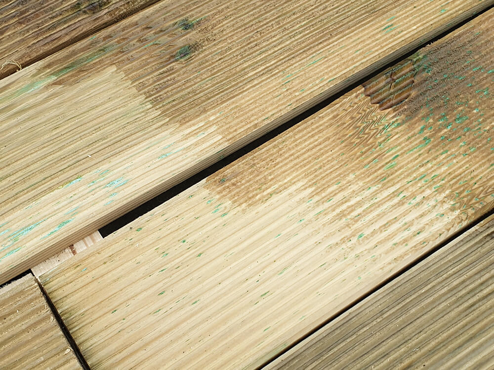 lasure caramel couvrant de la marque peinture naturelle - Construire une terrasse en bois