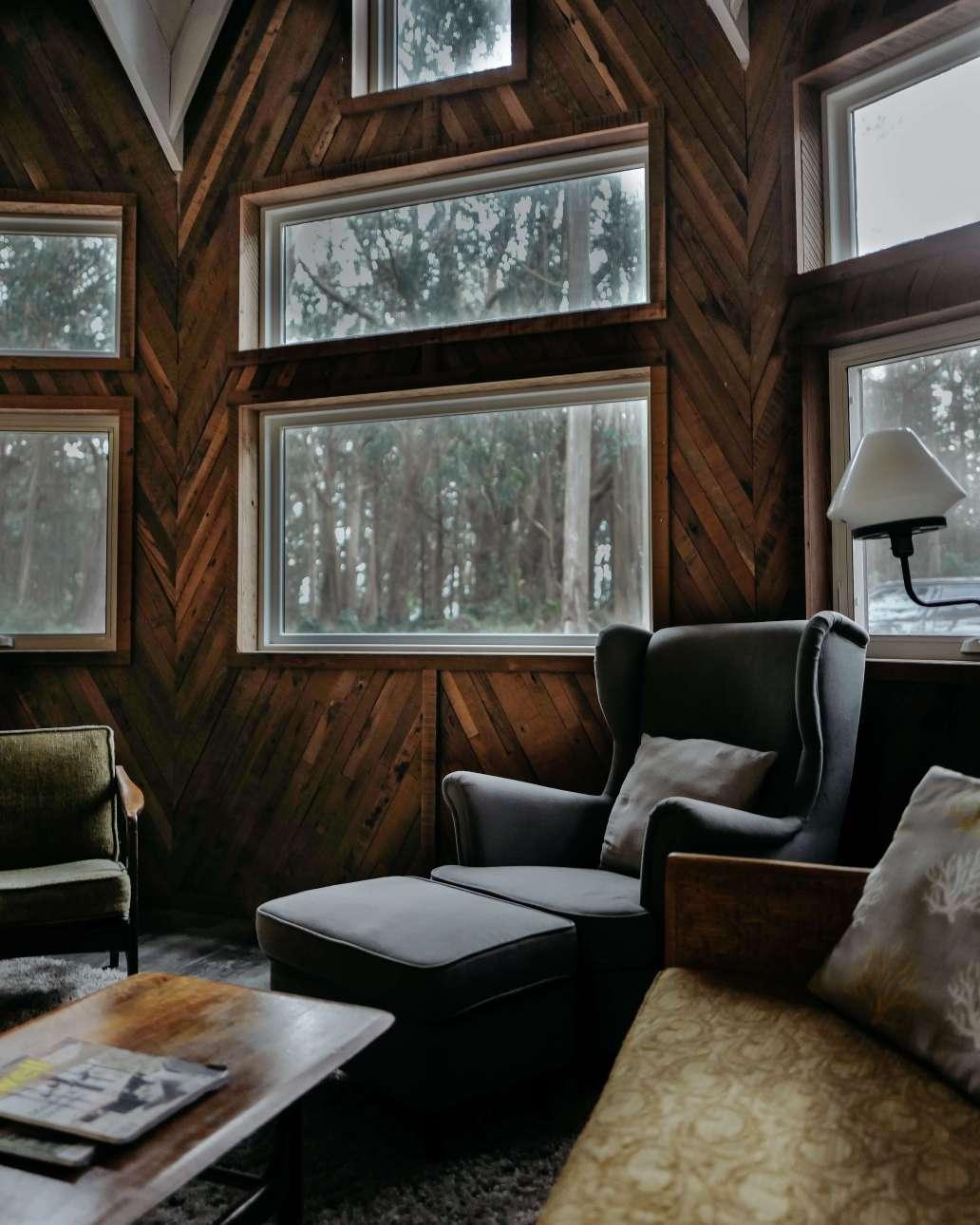 drew coffman EbivdbB83Y0 unsplash 2 1638x2048 - Comment créer une ambiance ressourçante à la maison en hiver ?