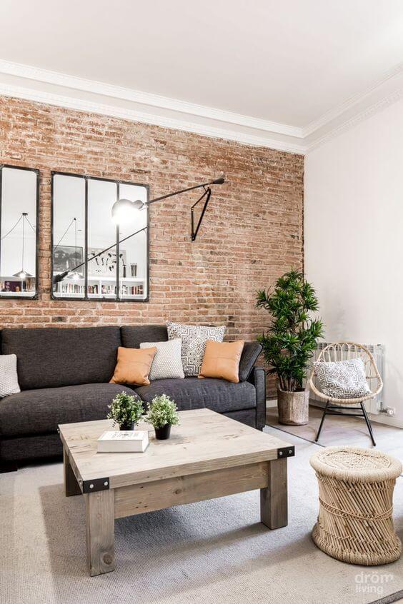 un look industriel dans le salon avec un papier peint brique  - Quel papier peint pour mon salon ?