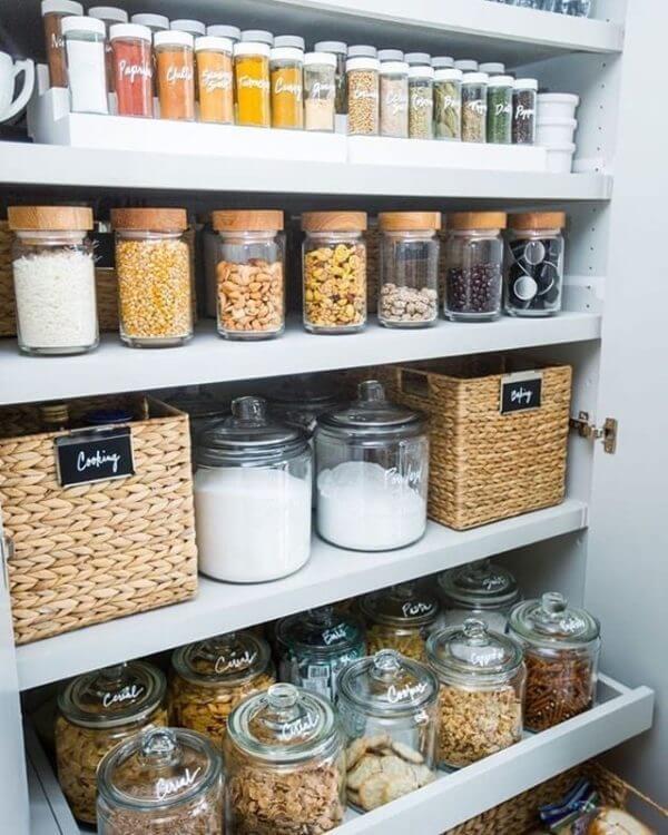 Placards de cuisine bien rangés - Comment organiser les placards de la cuisine ?