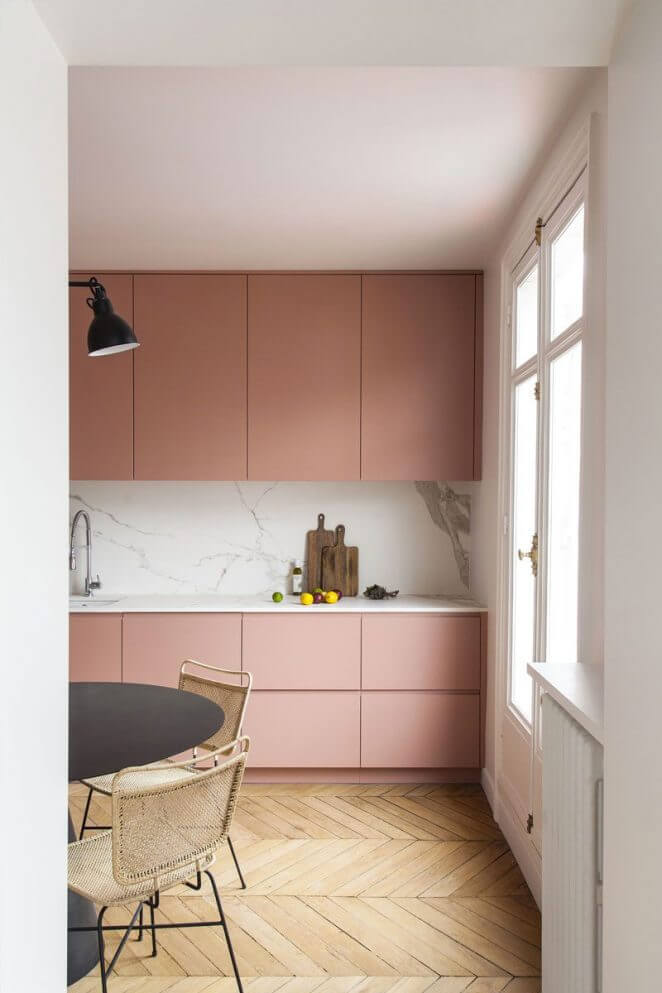 une cuisine rose tres poetique cuisiniste  - Quels critères pour bien choisir son cuisiniste ?