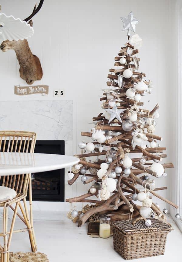 sapin de noel en bois - Les 8 tendances déco Noël annoncées pour 2020