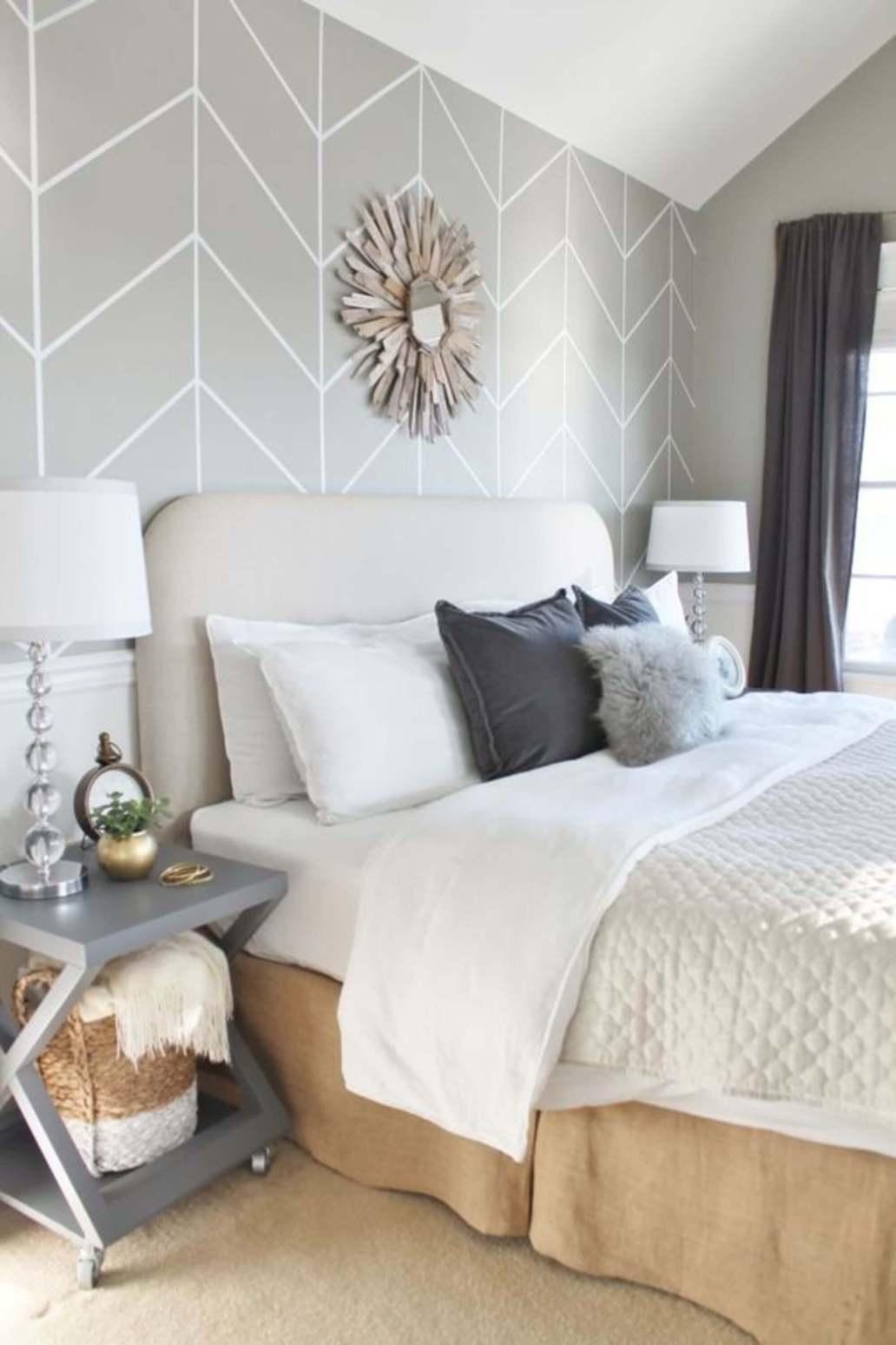 chambre deco zen avec papier peint graphique couleur douce 1365x2048 - Quel papier peint pour la chambre d'adulte ?