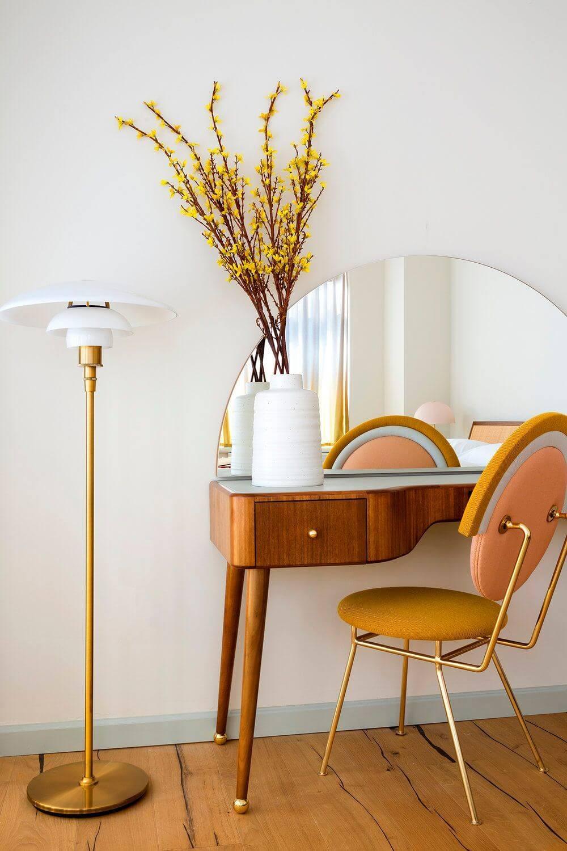 coiffeuse retro et coloree 6119481 - Tendances meubles et décoration 2021 : le grand décryptage