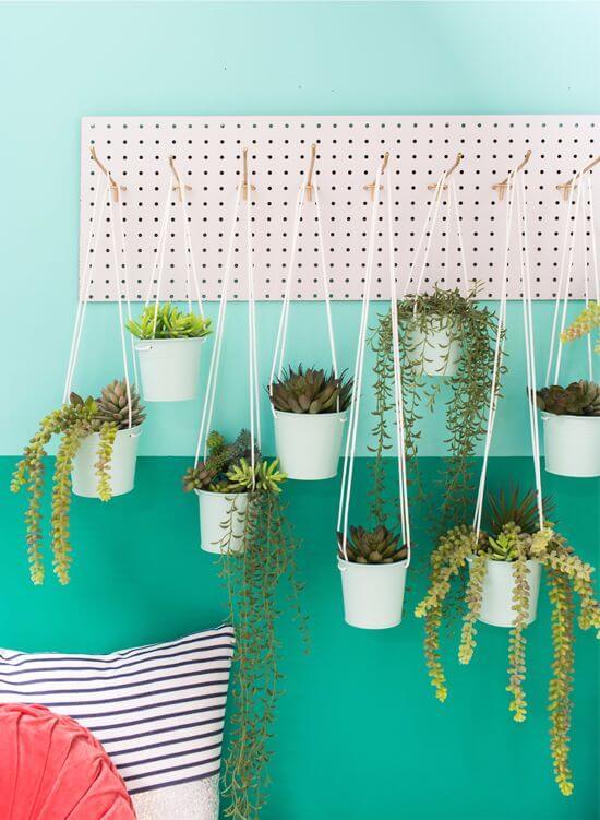 plante mur decor - Le pegboard : un panneau déco qui nous rend accroc