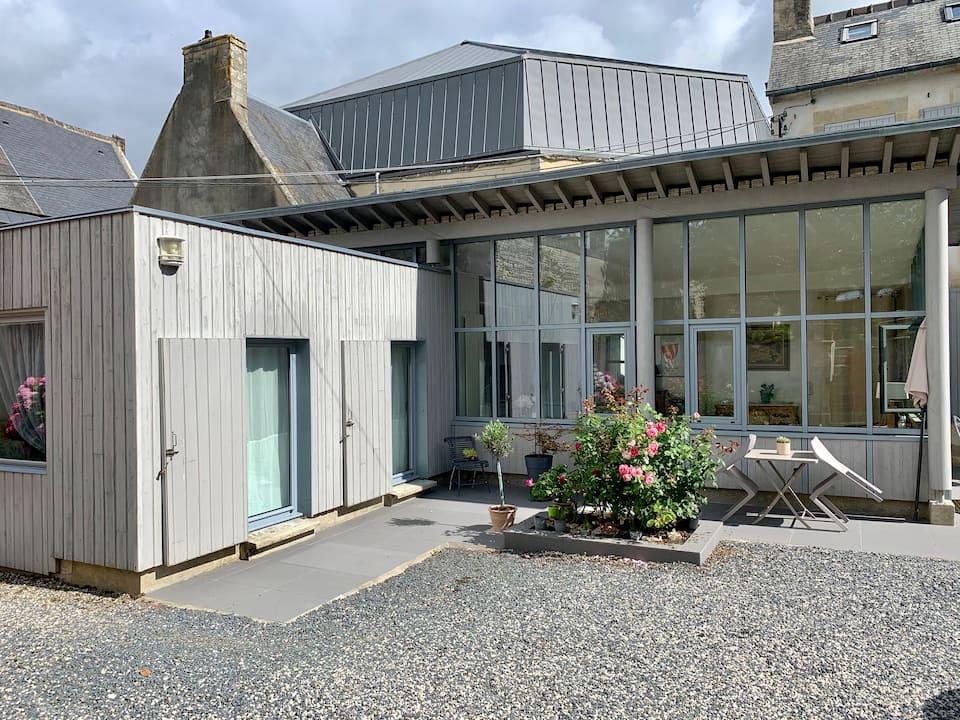 621ee786 64cb 4a07 831d 0e41da96a366 - Airbnb Tour : visite privée d'une tiny house à Bayeux
