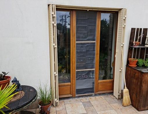 DIY pratique : fabriquer une moustiquaire pour porte ou fenêtre