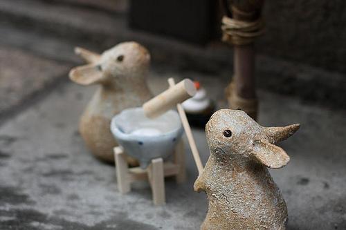 Rabbits making mochi