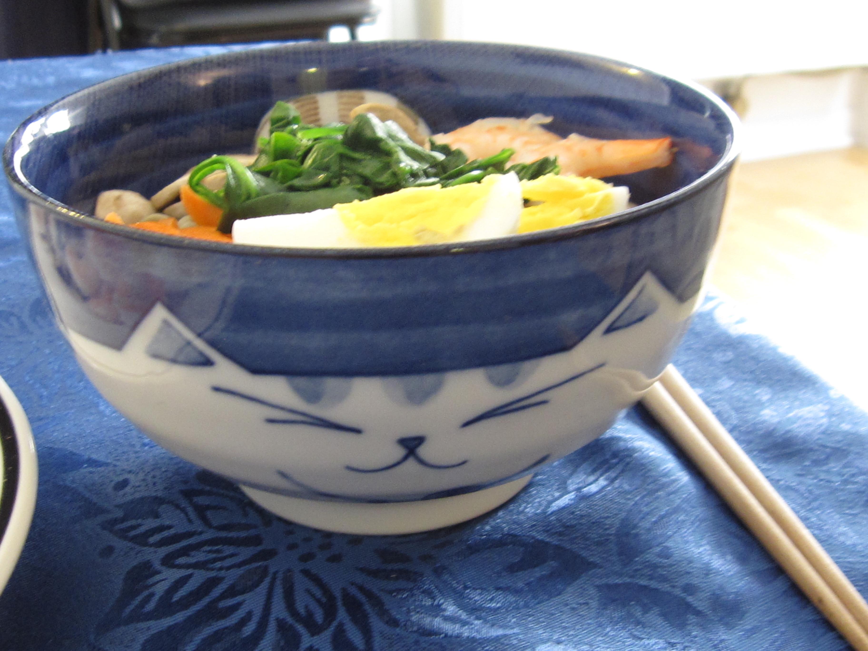 Gratuitous cat bowl pic