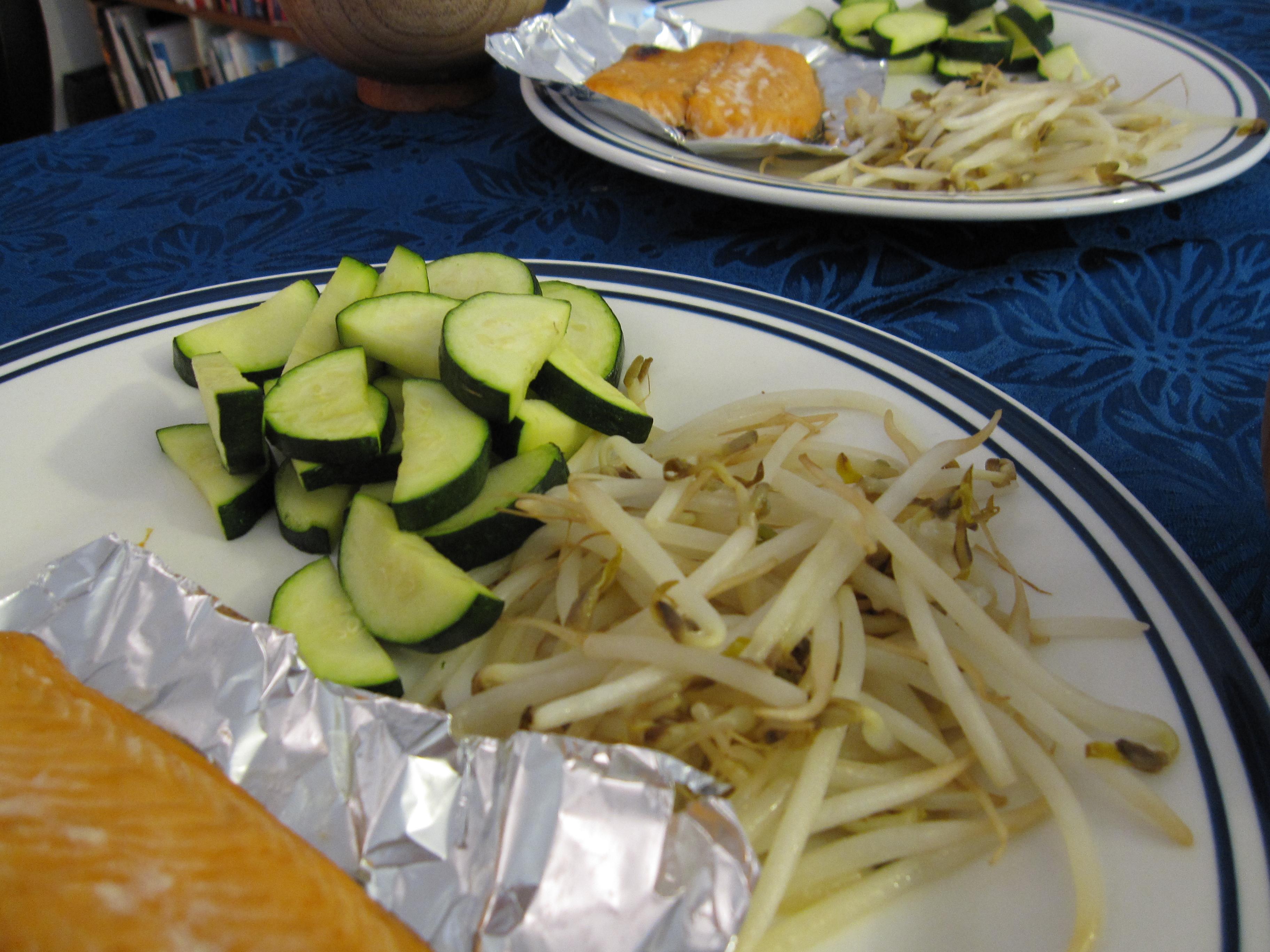 Bean sprouts & zucchini