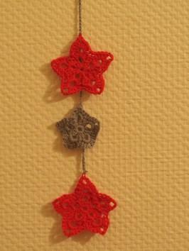 Guirlande d'étoiles de Noël au crochet