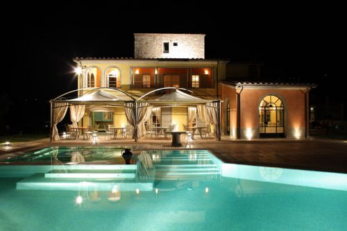 Hotel di lusso con piscina interna Umbria turismo